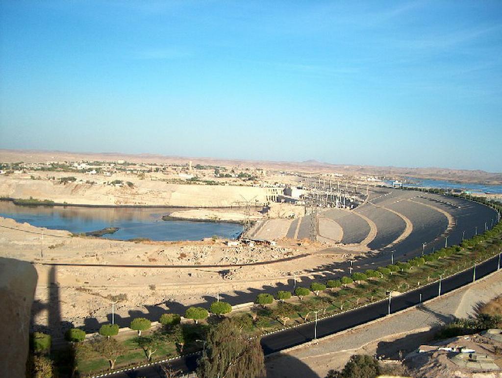 Panorámica Presa de Aswan-www.visitasguiadasegipto.com
