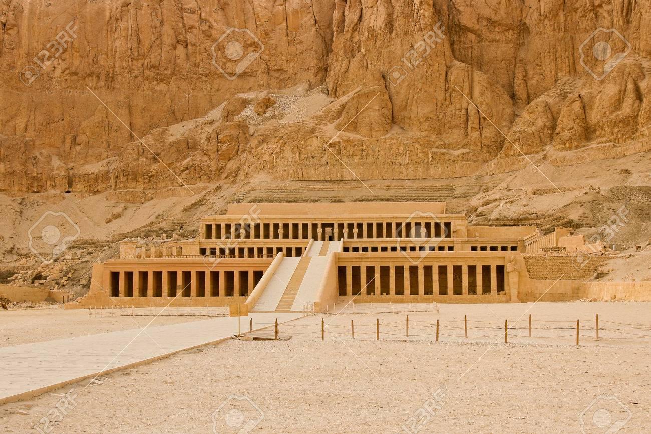 Panorámica Hatshepsut-www.visitasguiadasegipto.com