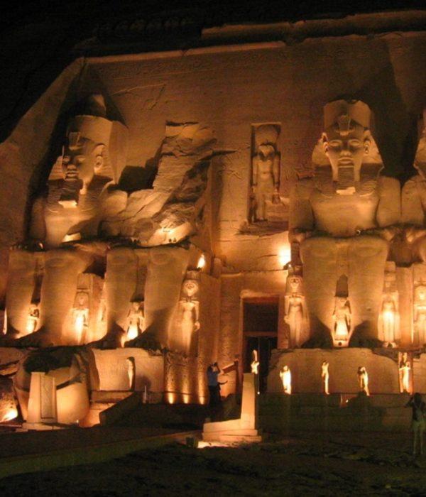 Abu Simbel Espectáculo nocturno-www.visitasguiadasegipto.com