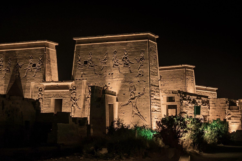 Philae Templo Aswan de Noche-www.visitasguiadasegipto.com