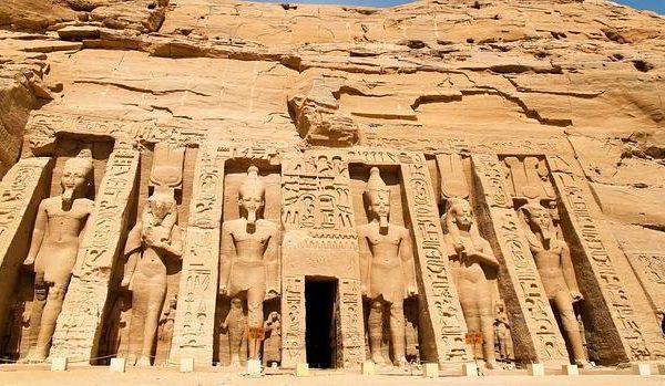 Excursión Templo Abu Simbel-www.visitasguiadasegipto.com