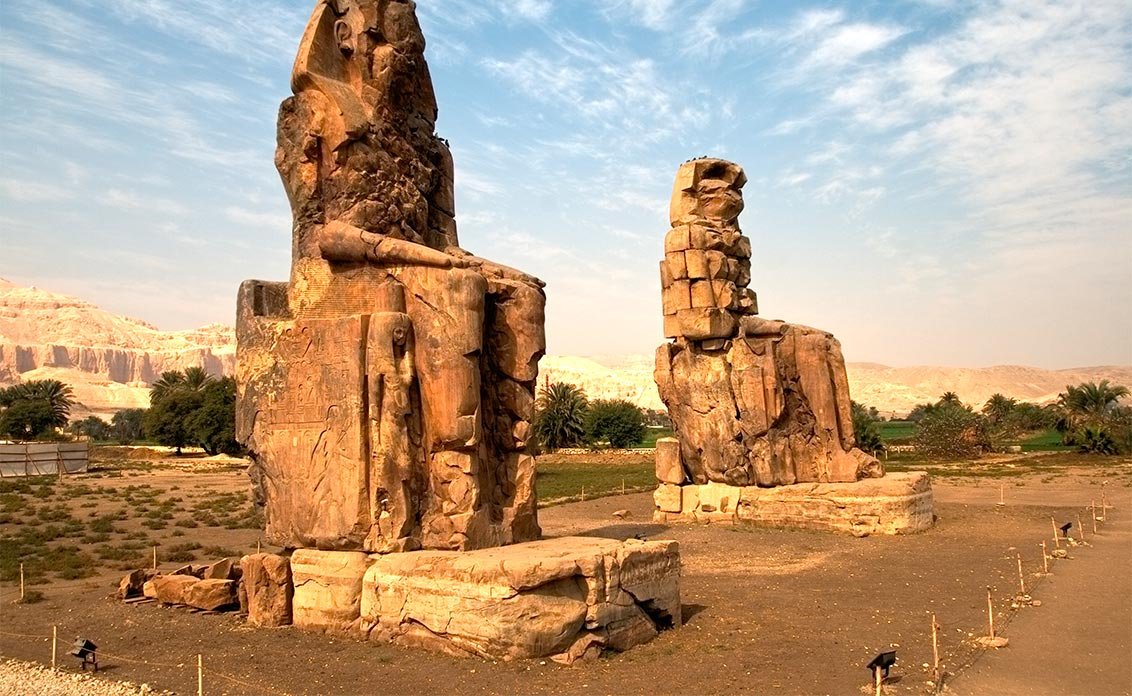 Memnon-www.visitasguiadasegipto.com