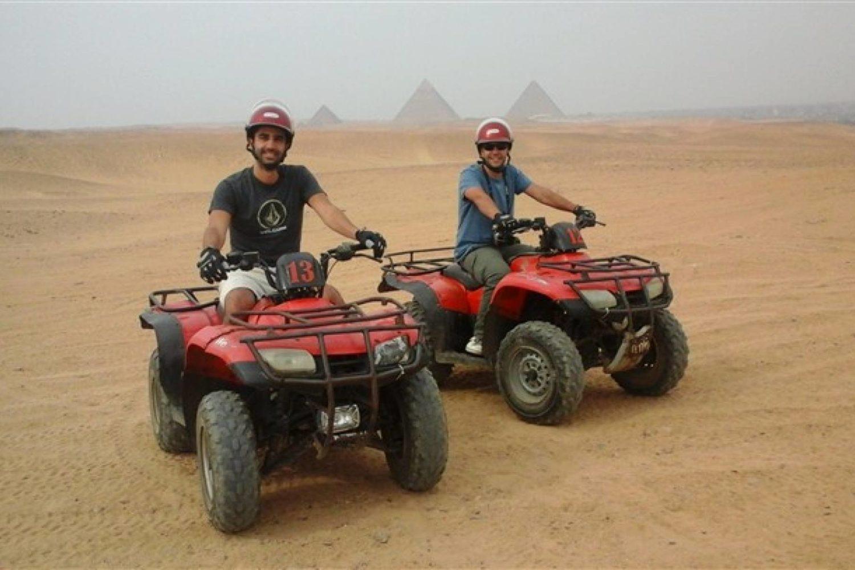 En Quad por Giza-www.visitasguiadasegipto.com