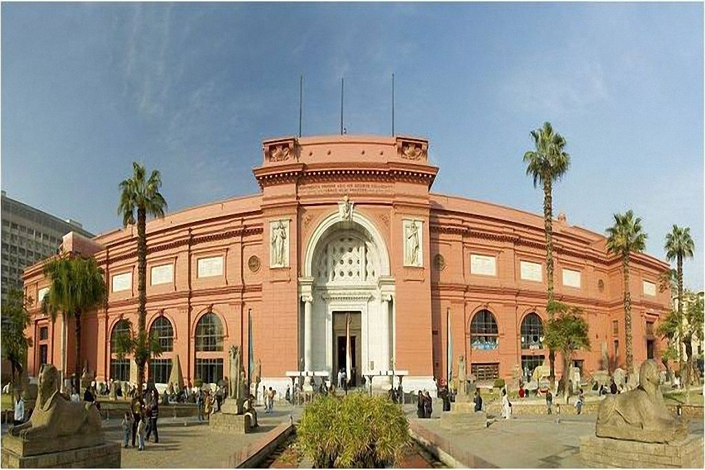 Panorámica Museo de El Cairo-www.visitasguiadasegipto.com