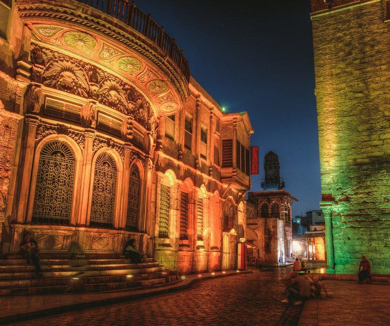 Al-Muizz Nocturno-www.visitasguiadasegipto.com
