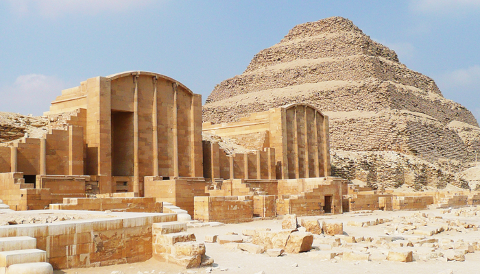 Pirámide de Saqqara-www.visitasguiadasegipto.com