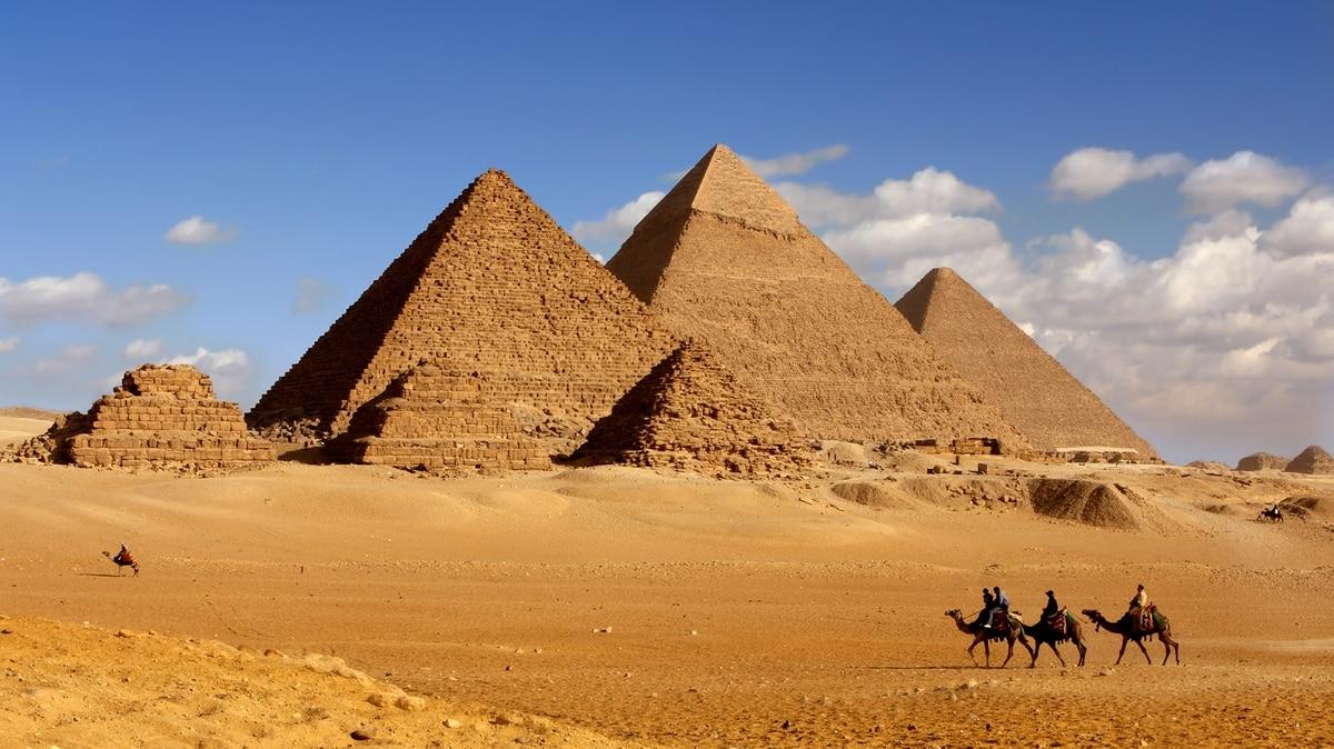 Vista Pirámides-www.visitasguiadasegipto.com