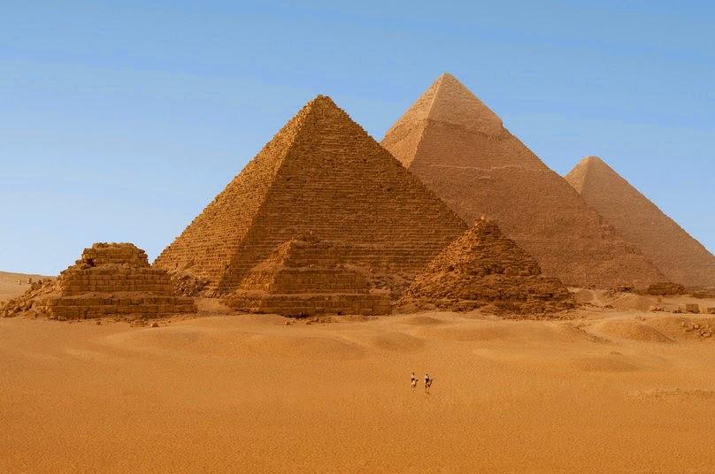Las Pirámides-www.visitasguiadasegipto.com