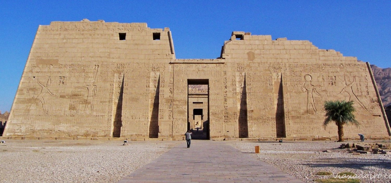 Templo Medinet Habu-www.visitasguiadasegipto.com