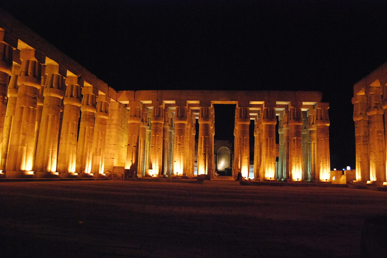Visita nocturna Aswan-www.visitasguiadasegipto.com