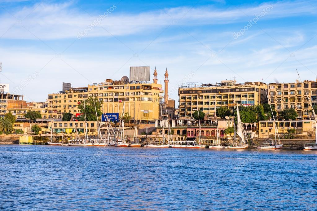 El Nilo por Aswan-www.visitasguiadasegipto.com