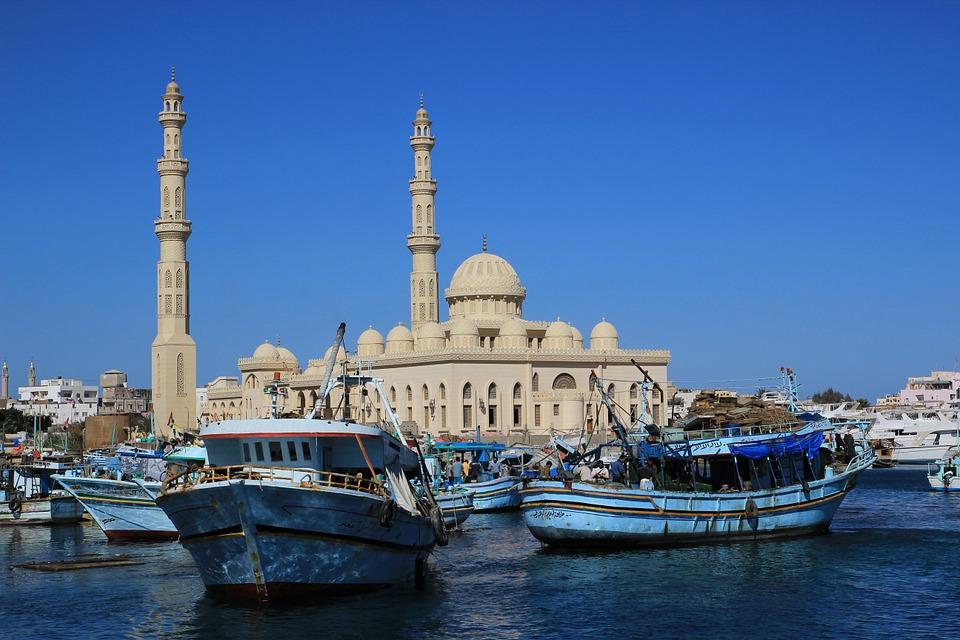 Mezquita en El Nilo-www.visitasguiadasegipto.com