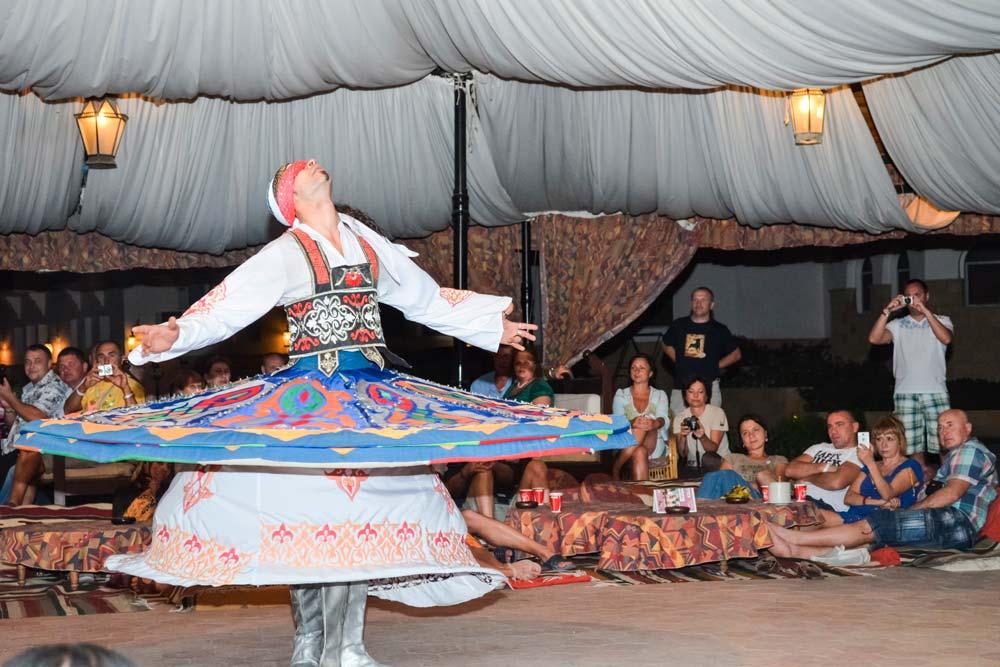 Cena espectáculo Sinaí-www.visitasguiadasegipto.com