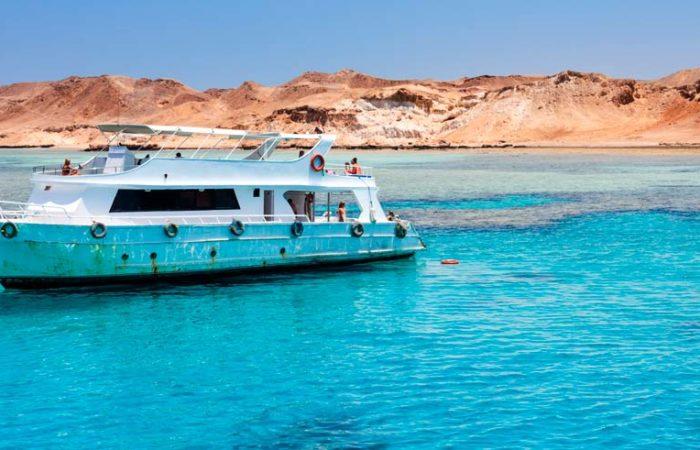Excursión Barco Isla Tiran-www.visitasguiadasegipto.com