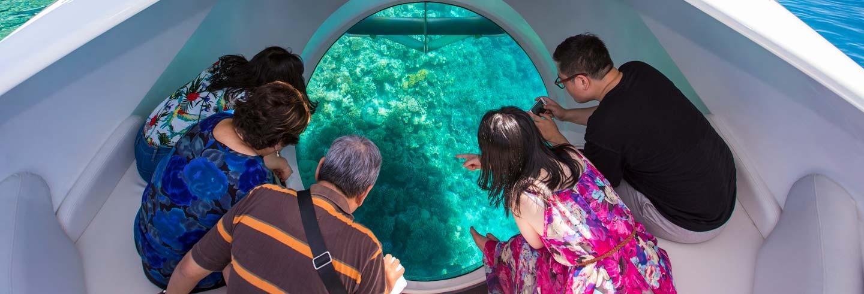Barco con fondo de cristal-www.visitasguiadasegipto.com