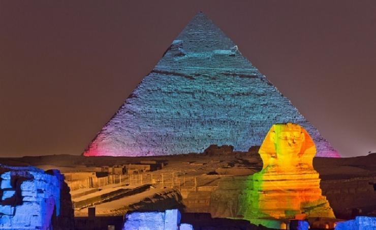 Espectáculo Pirámides-www.visitasguiadasegipto.com