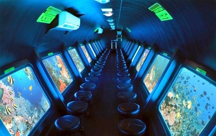 Interior Submarino Simbad-www.visitasguiadasegipto.com