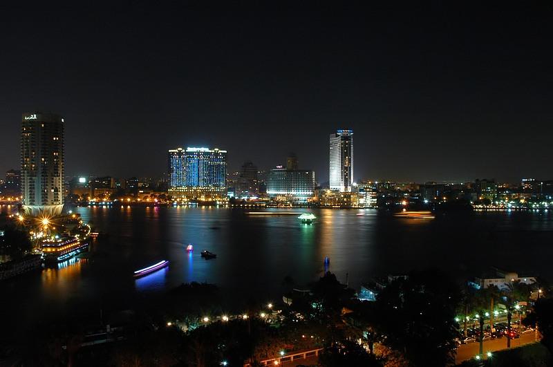 Nilo y Cairo nocturno-www.visitasguiadasegipto.com